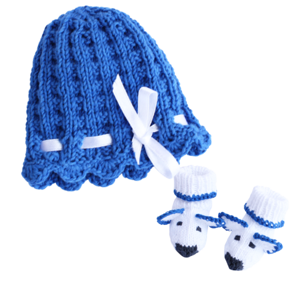 Strickmütze Frühchen blau  mit Söckchen aus Bio-Baumwolle